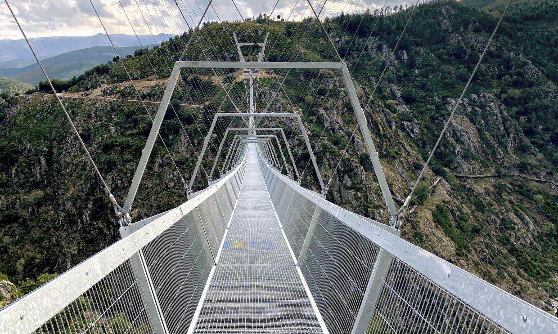 Chcesz przespacerować się najdłuższym mostem wiszącym wEuropie? Zapraszamy doPortugalii!